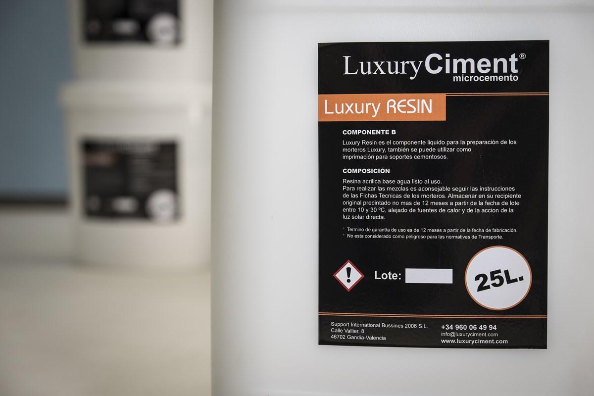 Luxury Resin - resina para mezclar microcemento Luxury Ciment