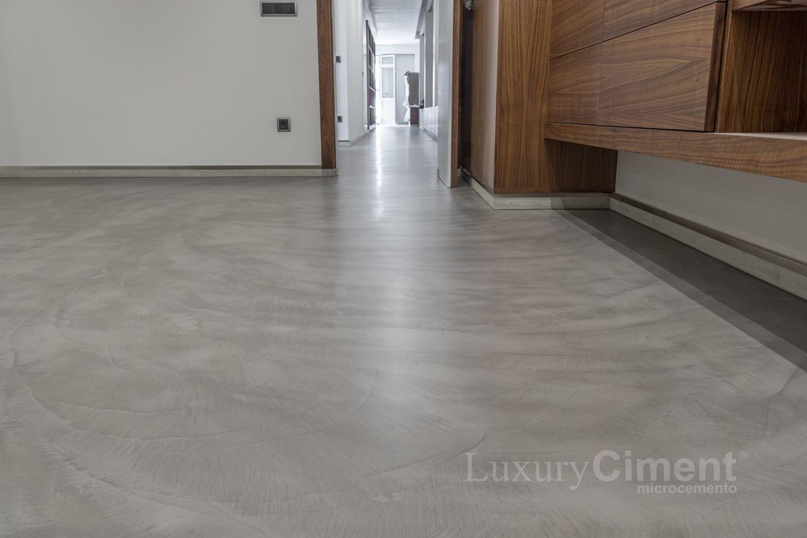 Microcemento en suelos paredes ba os cocinas para - Suelos de microcemento ...