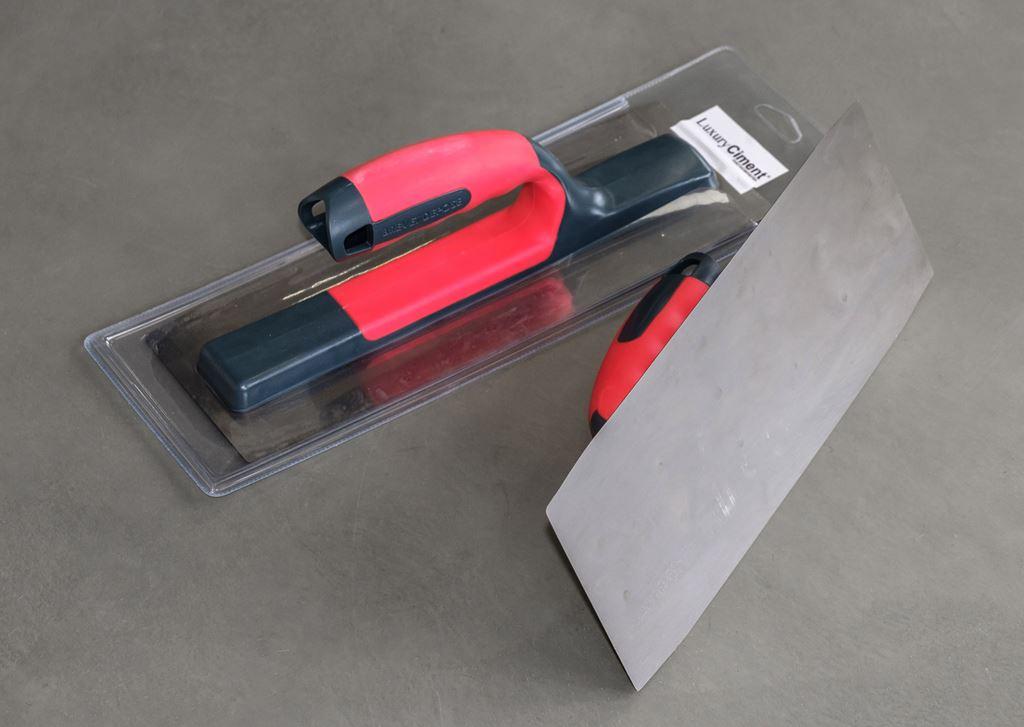 Llana de acero 30cm para microcemento