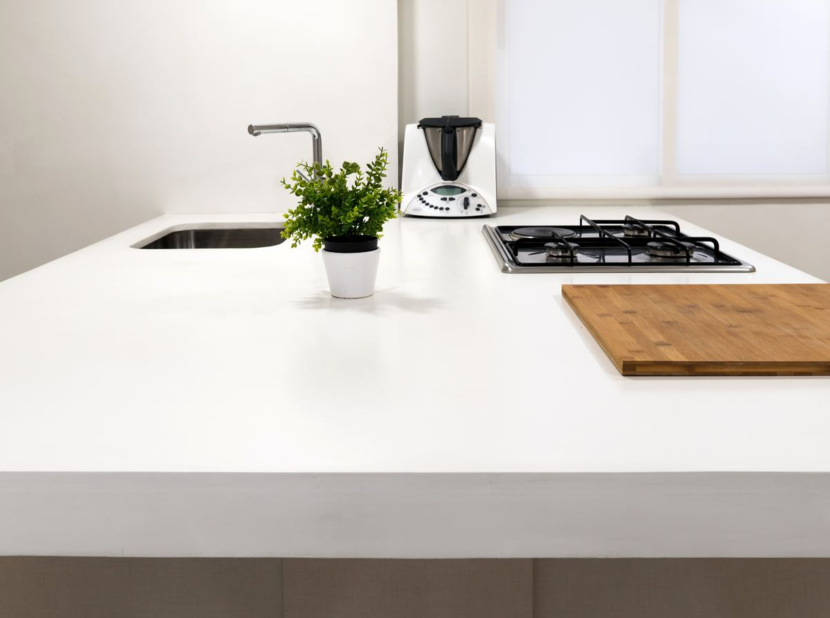 detalle mueble de microcemento bancada de cocina