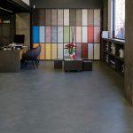suelo de microcemento en local comercial tienda LuxuryCiment Valencia