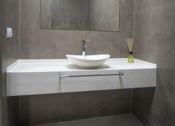Baño revestido completamente de microcemento