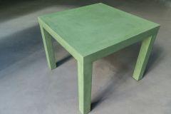 Mesa de microcemento fino verde
