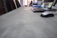 revestimiento rustico y elegante con microcemento en mueble de escritorio